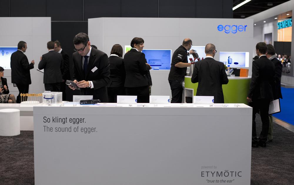 Egger präsentierte die Cedis SanDry Premium und SanDry Eco 3in1. Modernste Geräte zur Trocknung, Reinigung mit UV-C Licht und Aufbewahrung.