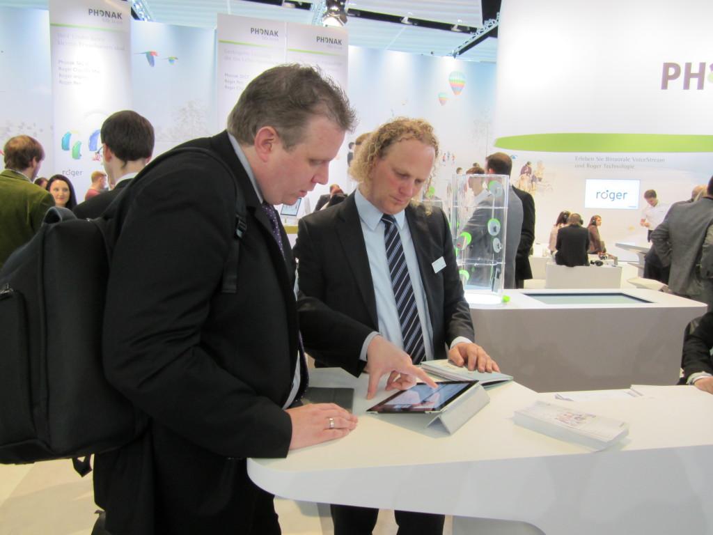 Bernhard Mustermann informierte über neue drahtlose Kommunikationslösungen.