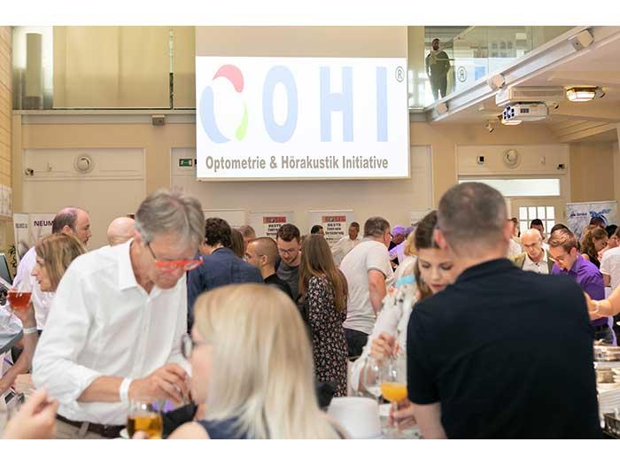 OHI-UPDATE-2019-04-Festsaal-Aussteller-38-Besucher