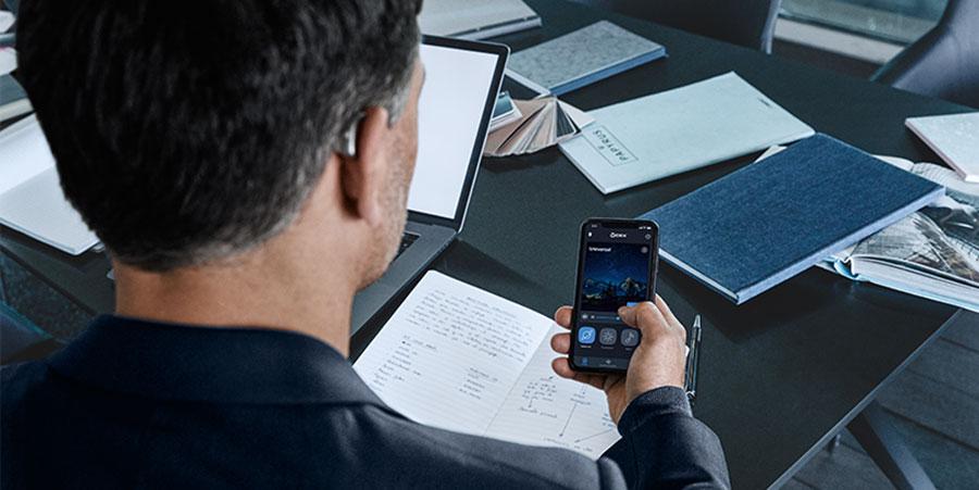 Hightech, Komfort, Design: Die Widex-Technologiebroschüre ist da